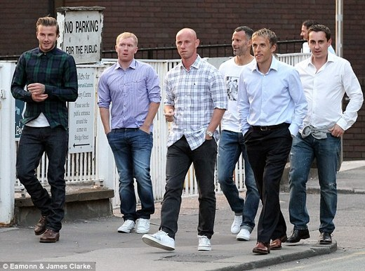 Reunited: Beckham, Scholes, Butt, Giggs, Phil and Gary Neville are spotted