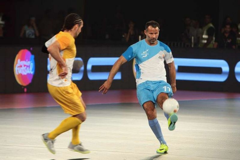Giggs lead Mumbai edge Chennai 4-3 to qualify for semis