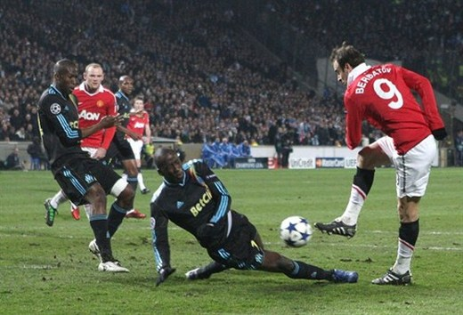 Berbatov had one of very few chances to score, but his shot was blocked.